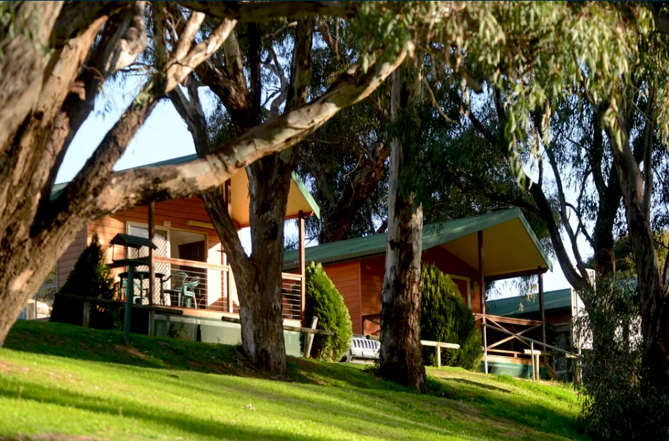 Apex Riverside Tourist Park in Forbes on the banks of the Lachlan River