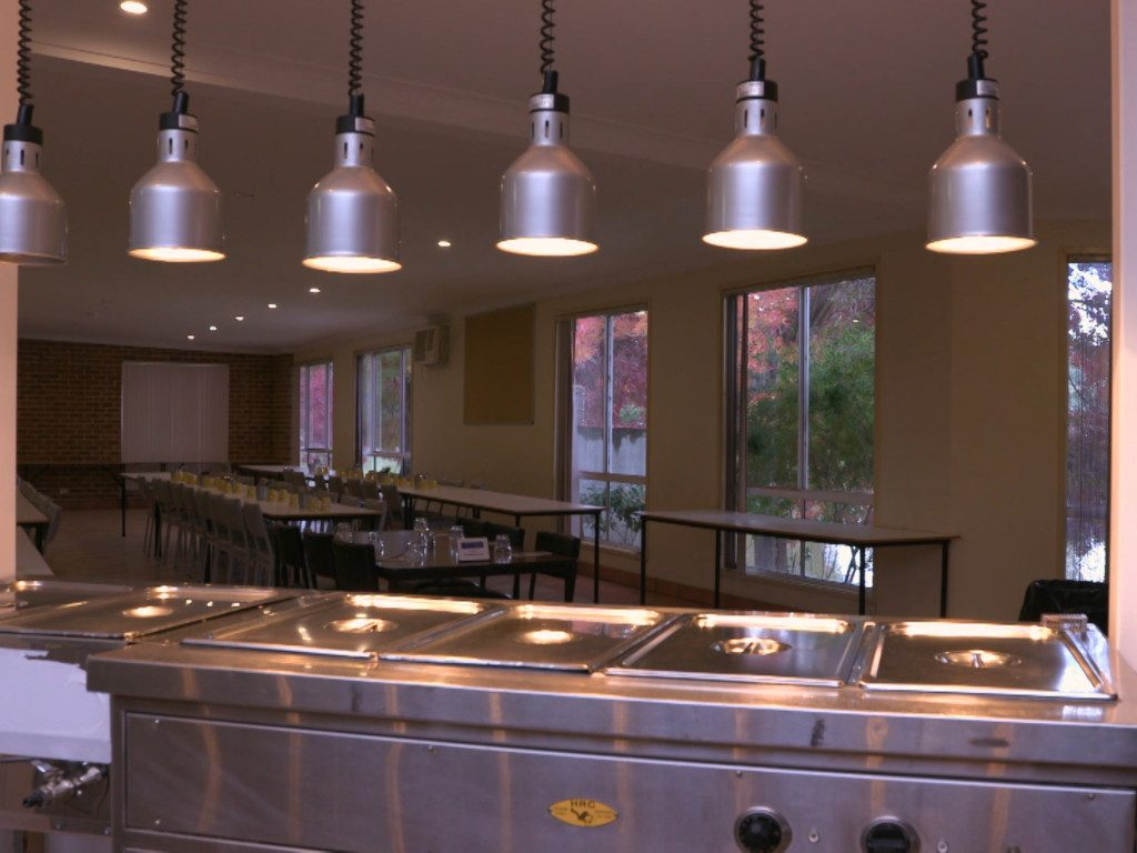 Catering facilities accommodate large corporate and school groups