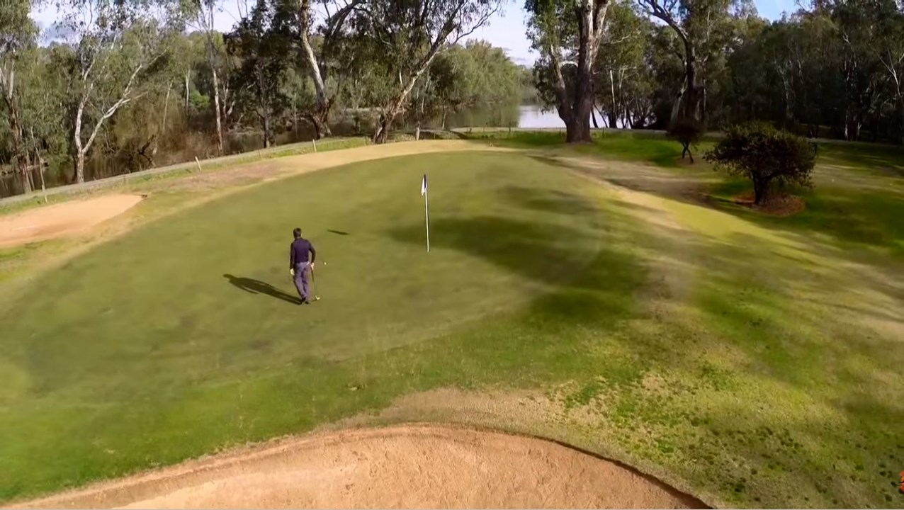 Enjoy a golfing holiday on the Murray with a hit at the Corowa Golf Course, one of four 'Federation' golf courses.