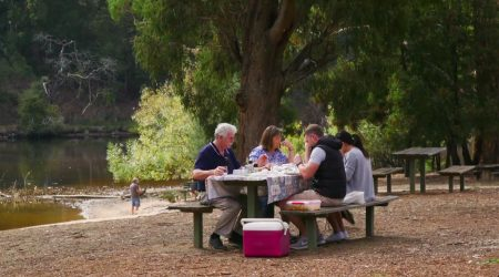 Enjoy tranquil settings at the Jubilee Lake Holiday Park